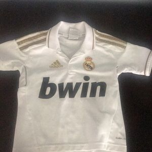 Boys Real Madrid soccer ⚽️ Jersey used 2/3 years